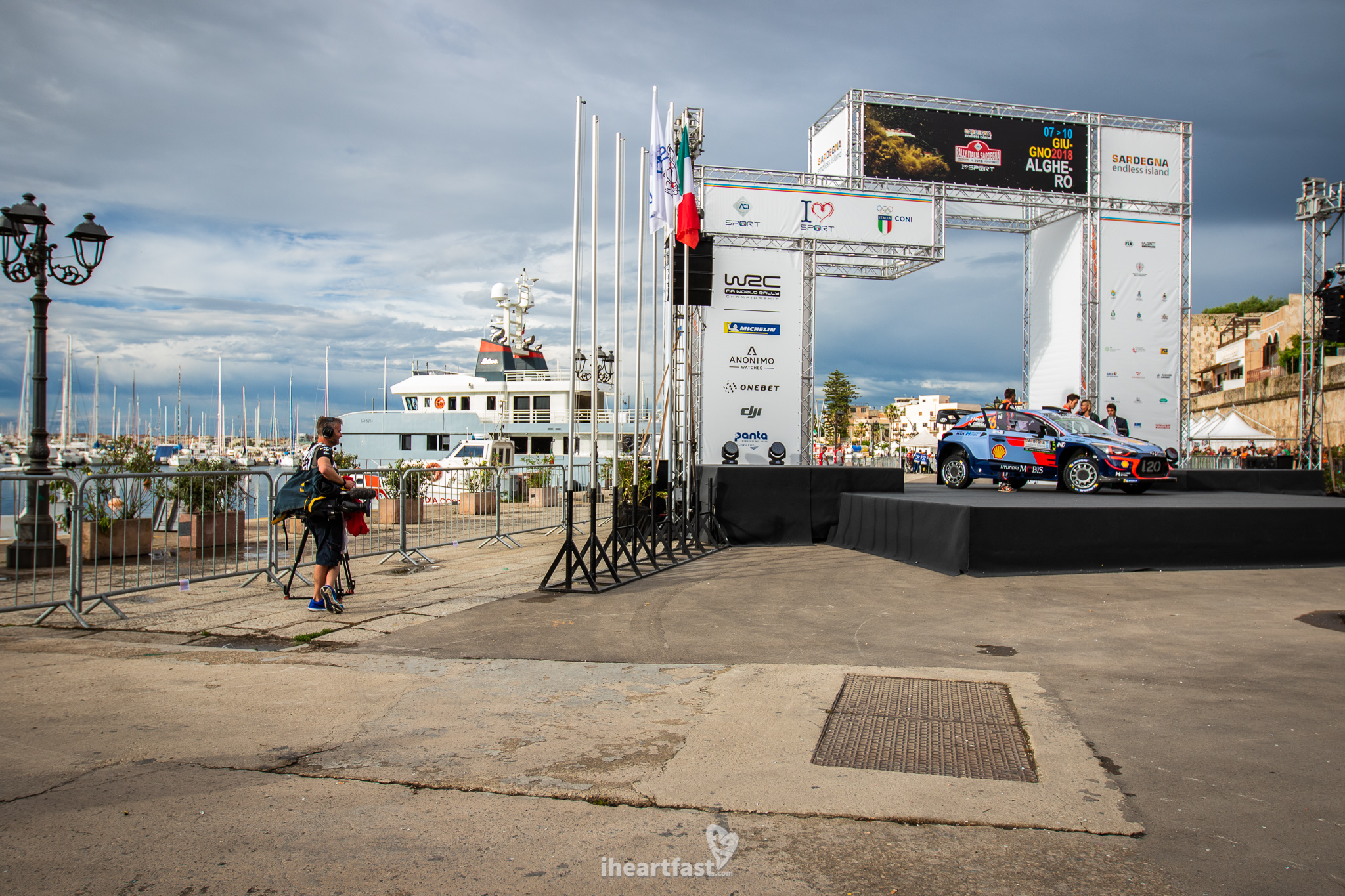 Ceremonial start in the port of Alghero